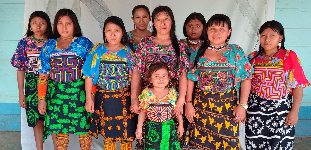 Slider-4-mujeres-tukuna-colombia-pasifico